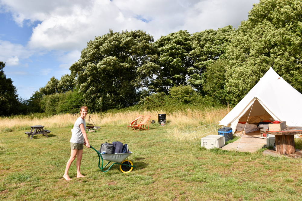 Glamping Wales Tipps Einchecken ins Bell Tent in wunderbarer Natur