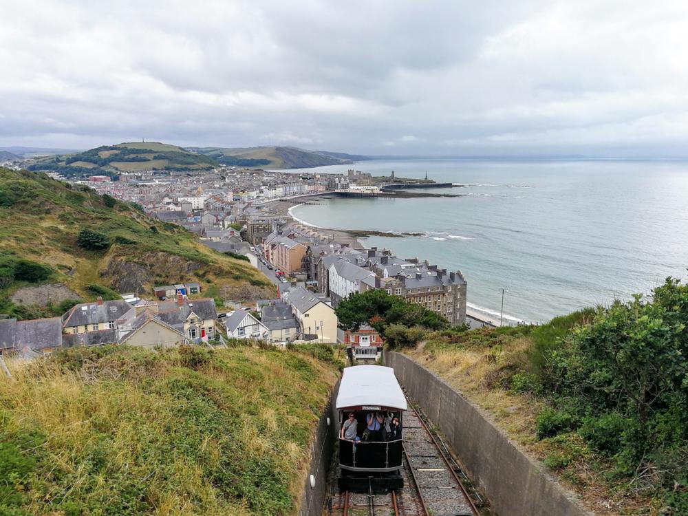 Wales Highlights Fahrt auf den Constitution Hill in Aberystwyth