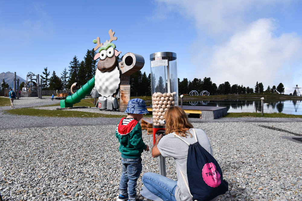 Ötztal mit Kind Holzkugelmaschine Widiversum