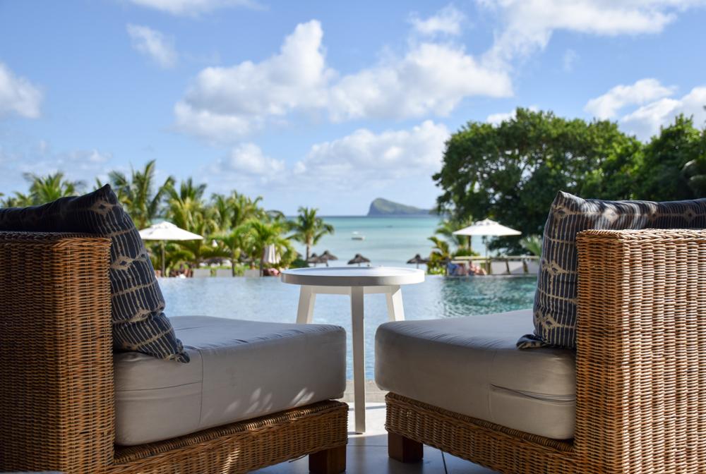 Hoteltipp Mauritius Hotel Zilwa Attitude Aussicht von der Bar auf den Coin de Mire