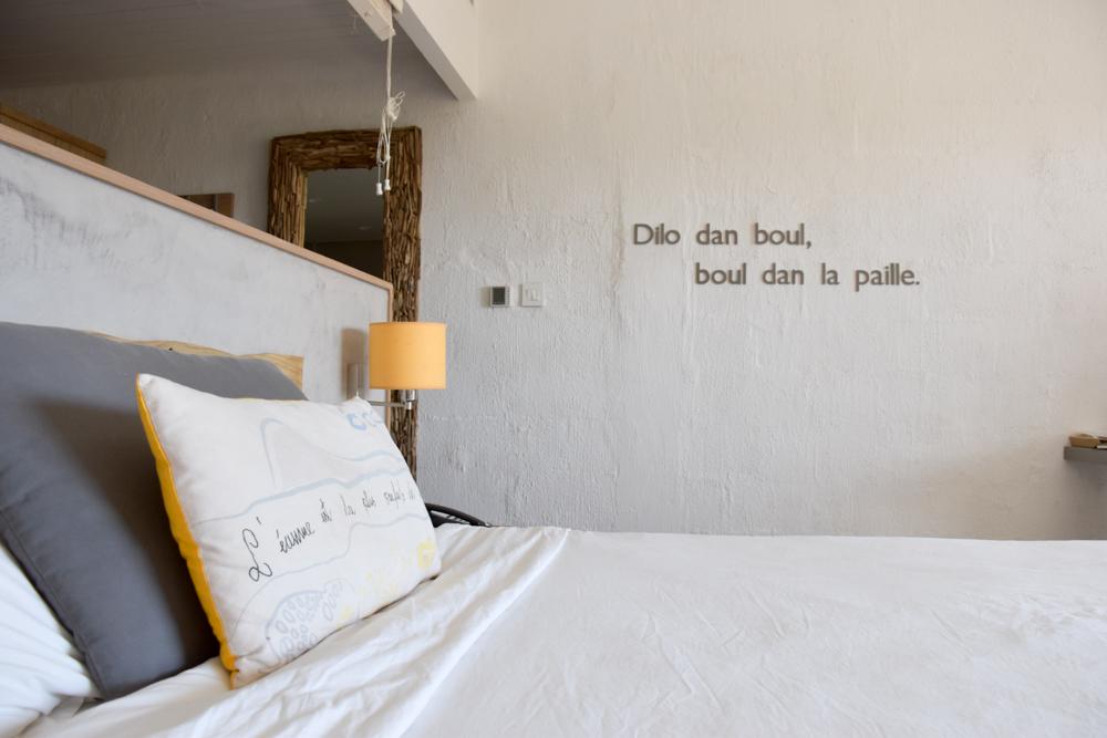 Hoteltipp Mauritius Hotel Zilwa Attitude Mauritianischer Spruch im Superior Zimmer