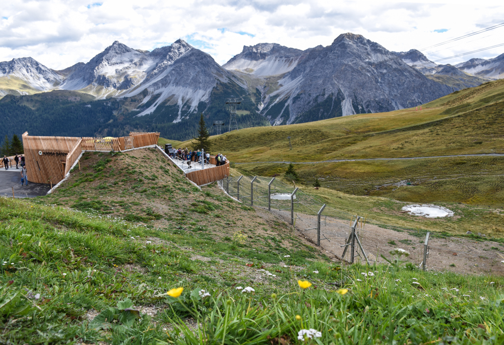 Familienausflug Arosa Bärenland Besucherterrasse mit Aussicht