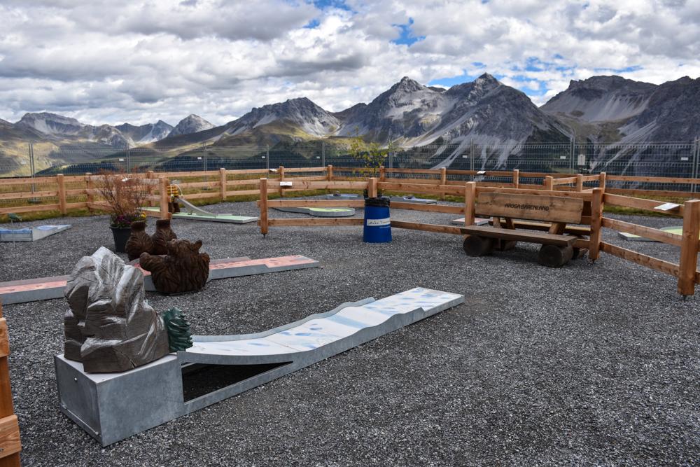 Familienausflug Arosa Bärenland Minigolf mit Aussicht