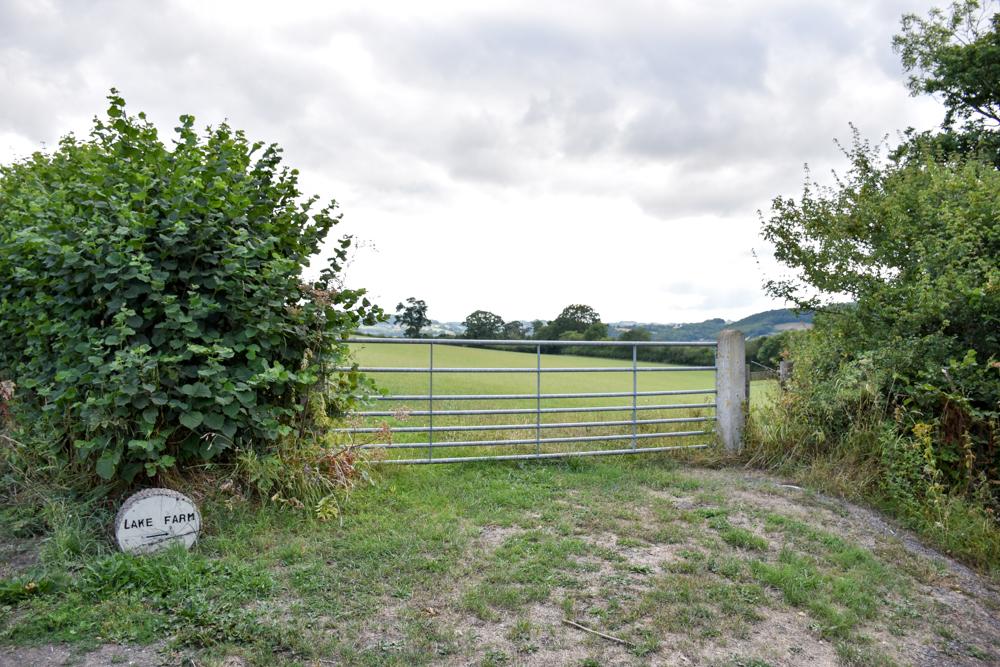 Glamping Welshpool Powys Wales Lake Farm Eingang