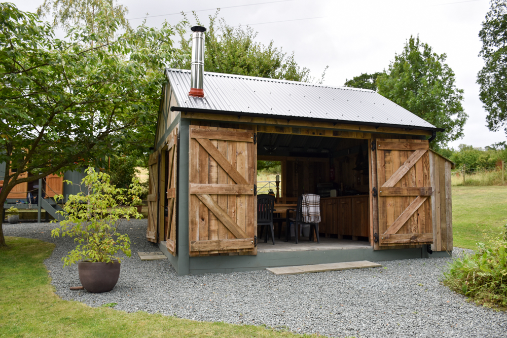 Glamping Welshpool Powys Wales Esszimmer Shepherds Hut