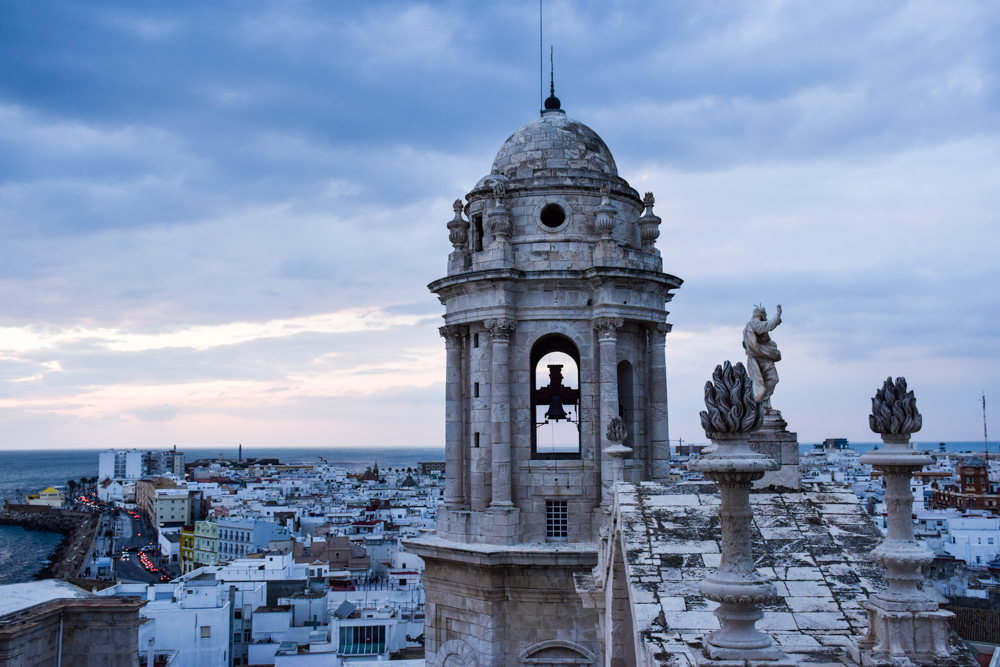 Reisetipps Cadiz Andalusien Spanien Blick über die Altstadat zum Sonnenuntergang