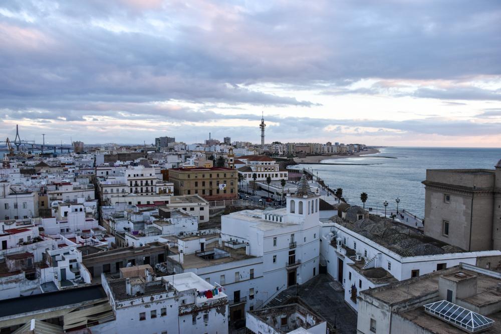 Reisetipps Cadiz Andalusien Spanien Blick auf die Altstadt vom Uhrenturm der Kathedrale