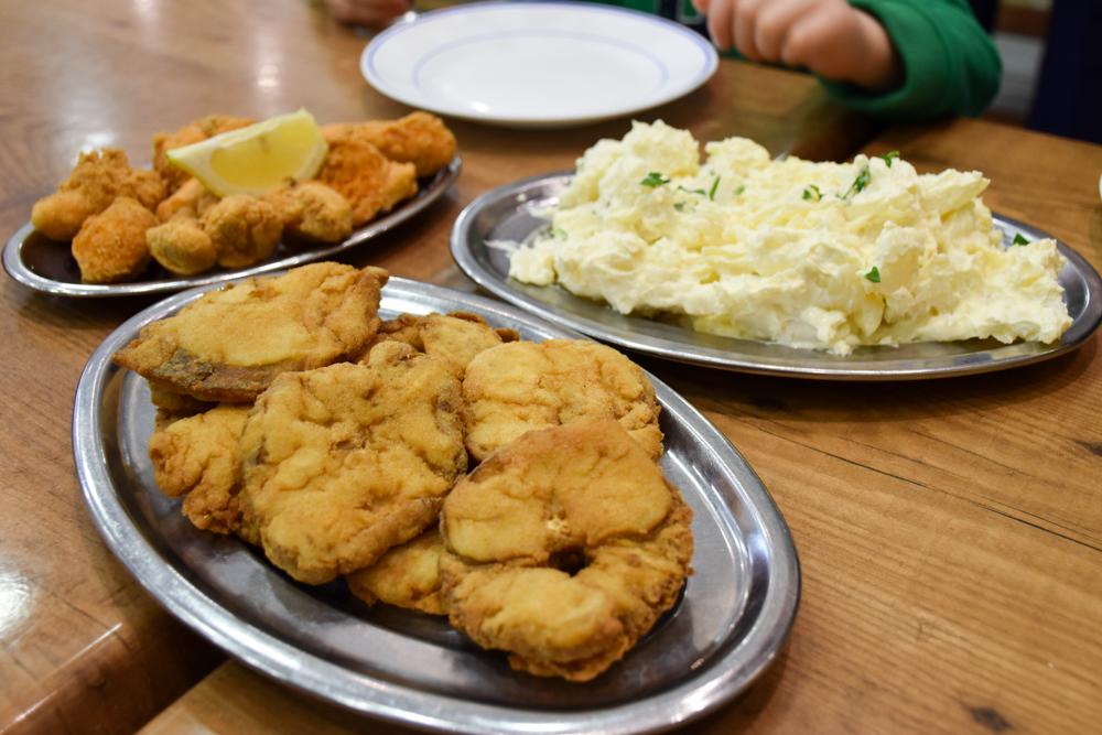 Reisetipps Cadiz Andalusien Spanien authentisches Essen in der Freiduria las Flores