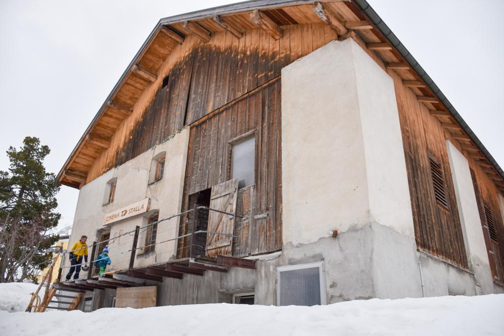 Winterferien Savognin Bivio Albula mit der Familie Cinema Stalla