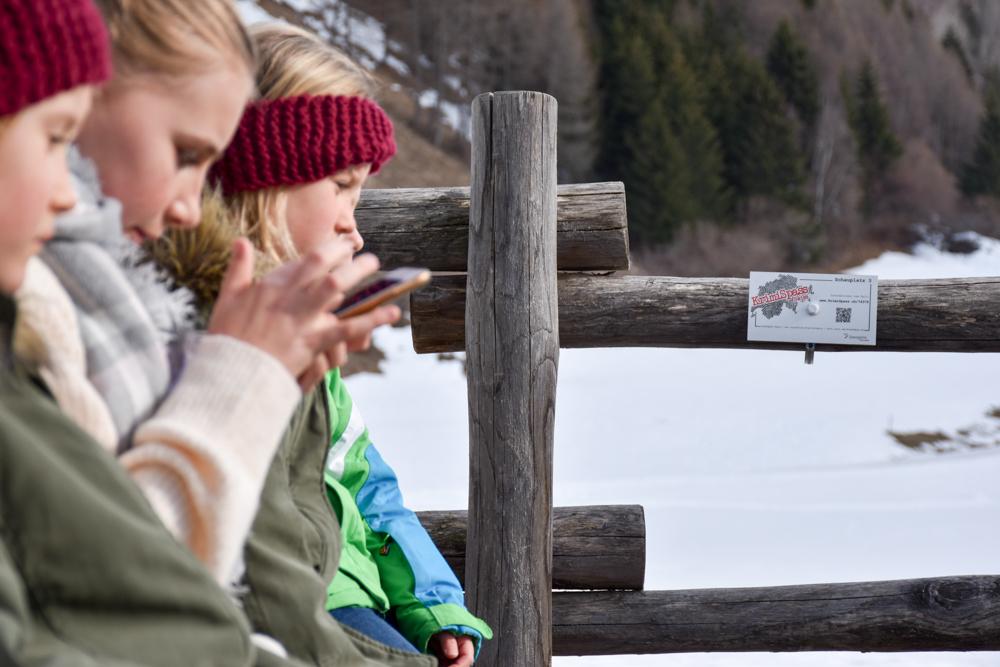 Winterferien Savognin Bivio Albula mit der Familie Krimispass Savognin