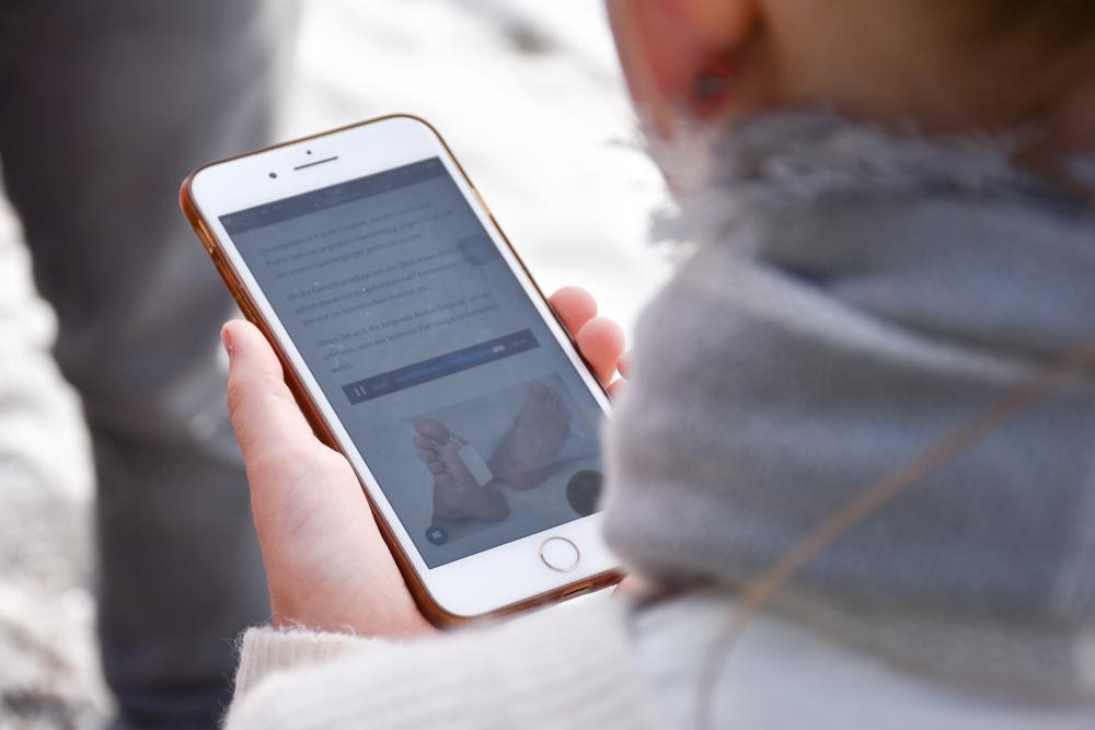 Winterferien Savognin Bivio Albula mit der Familie Krimispass mit dem Handy