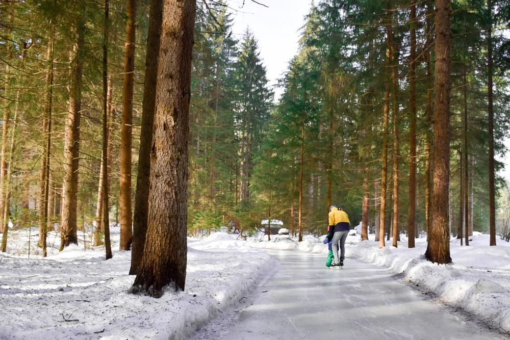 Winterferien Savognin Bivio Albula mit der Familie Skateline Albula mit Kind