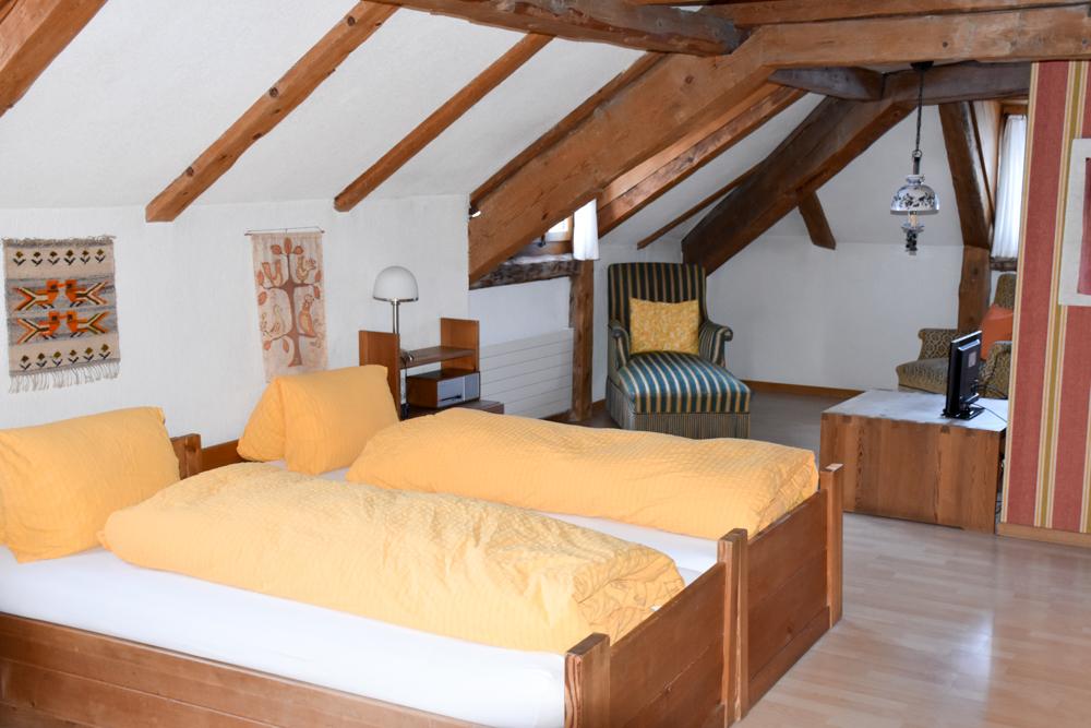 Winterferien Savognin Bivio Albula mit der Familie Zimmer im Hotel Piz Mitgel