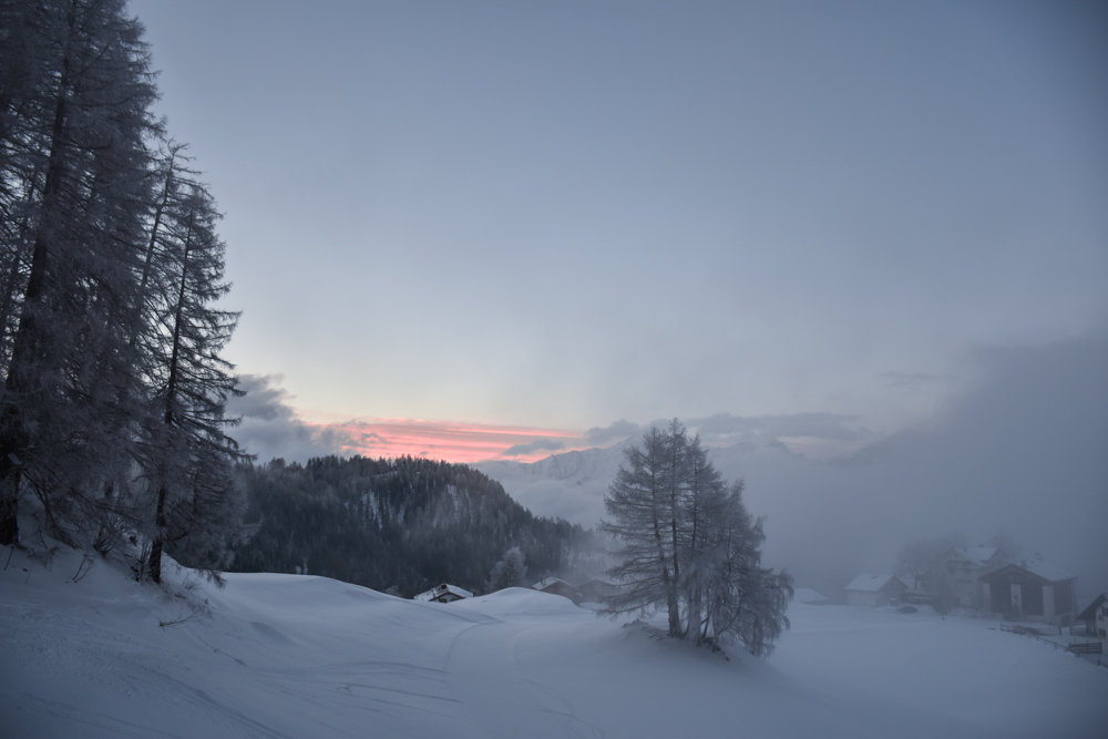 Yoga Retreat Feldis Graubünden Schweiz Sonnenaufgang in Feldis