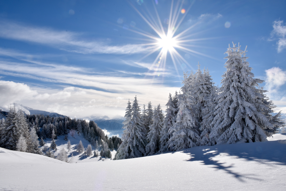 Yoga Retreat Feldis Graubünden Schweiz Winterlandschaft