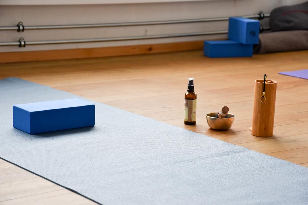 Yoga Retreat Feldis Graubünden Schweiz Yogautensilien