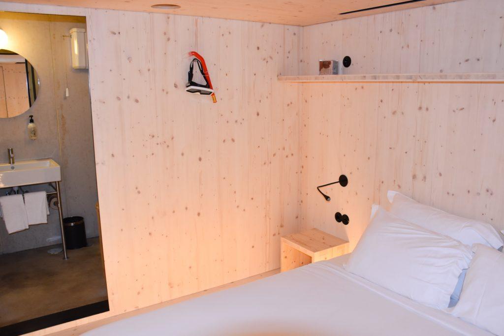 Hoteltipp Porto Zero Box Lodge Schlafzimmer in der Box