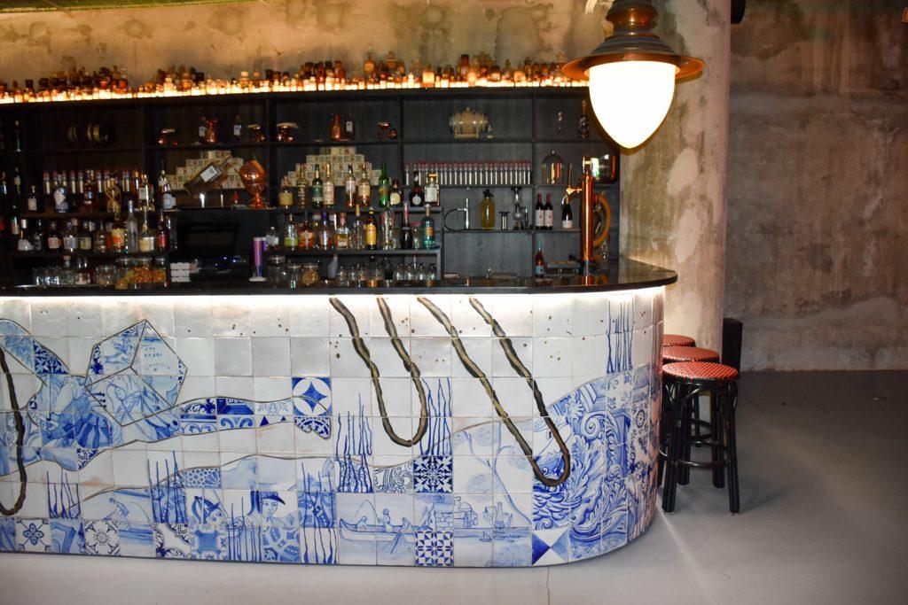 Hoteltipp Porto Zero Box Lodge stylische Bar