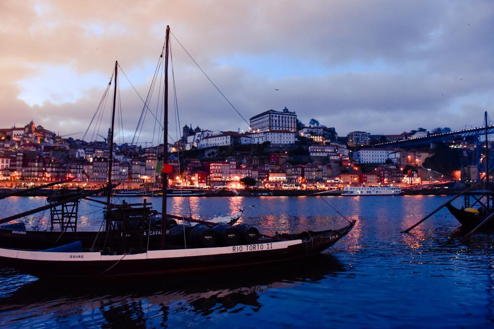 Porto Reisetipps Sehenswürdigkeiten Restaurants Abendstimmung in Vila Nova de Gaia