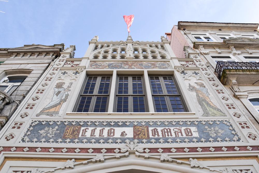 Porto Reisetipps Sehenswürdigkeiten Restaurants Livraria Lello