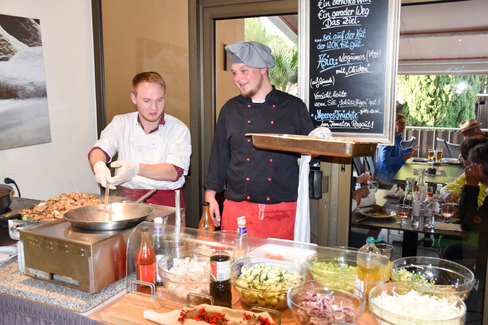 Hoteltipp Korsika Feriendorf zum störrischen Esel Calvi Buffet