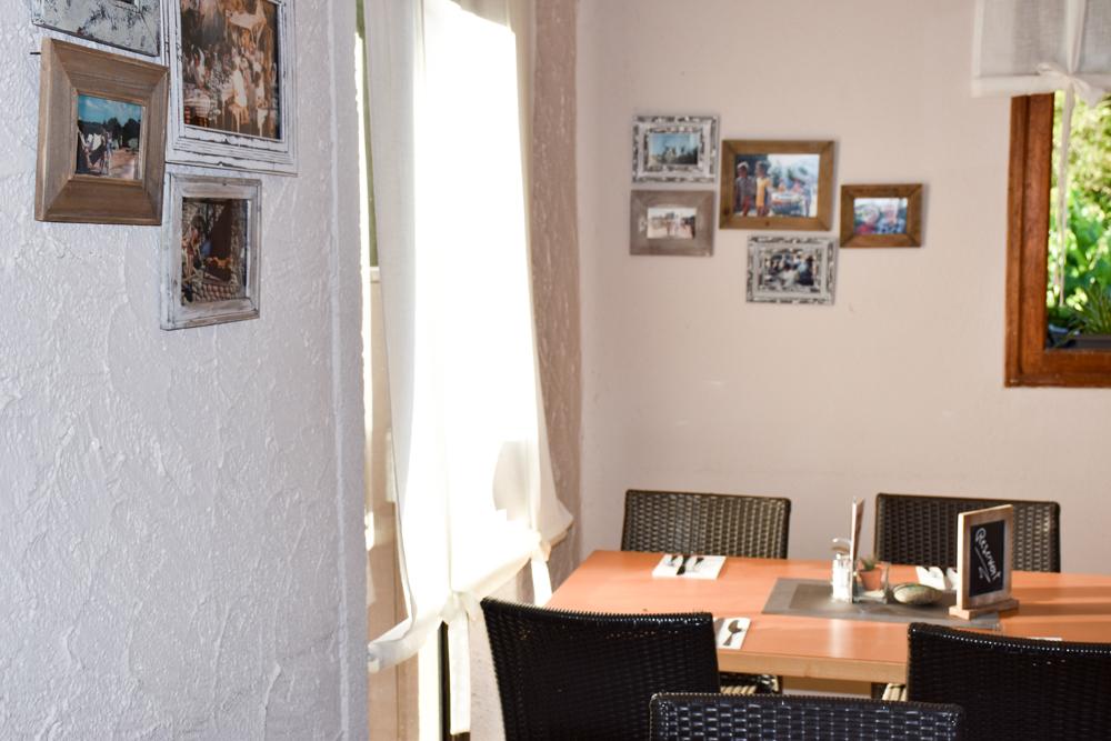 Hoteltipp Korsika Feriendorf zum störrischen Esel Calvi Essraum