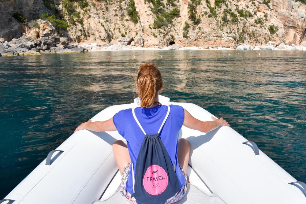 Sardinien Ostküste Reisetipps Highlights Restaurants Travel Sisi mietet ein Boot