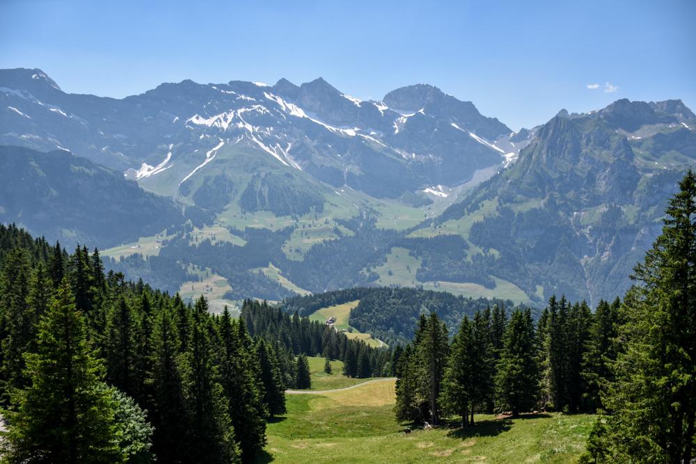 Familienausflug Engelberg Brunni Schweiz Aussicht geniessen