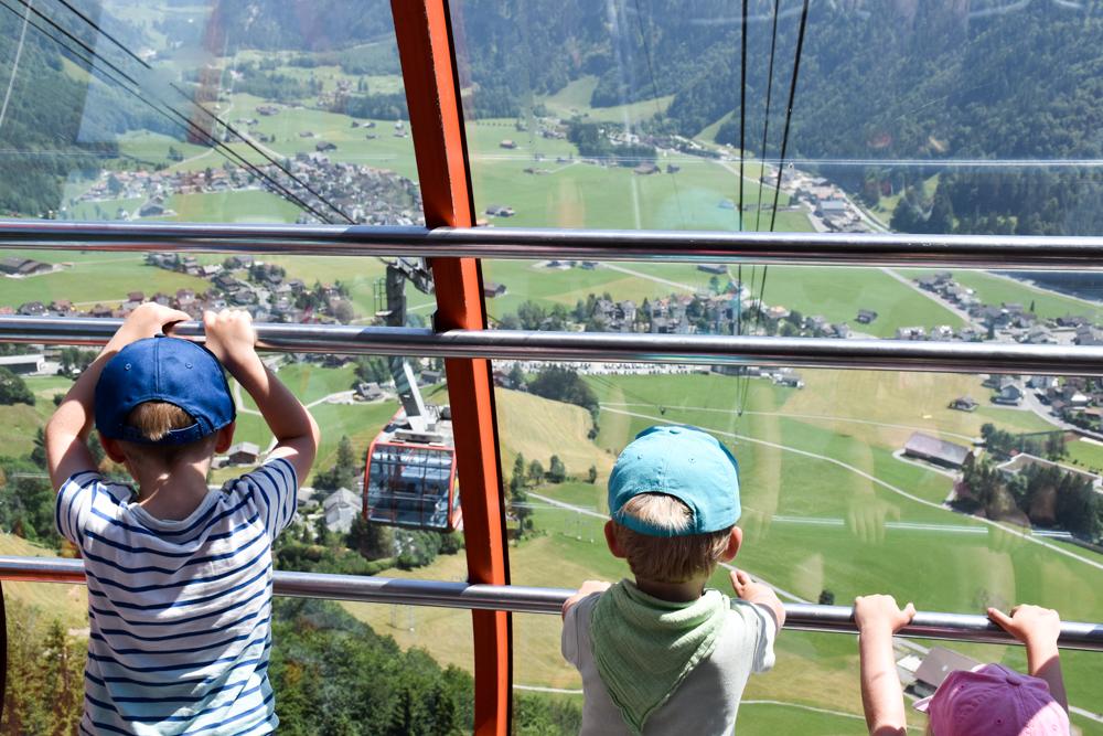 Familienausflug Engelberg Brunni Schweiz Gondelfahrt zurück nach Engelberg
