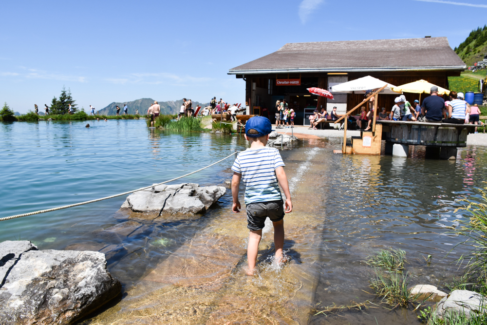 Familienausflug Engelberg Brunni Schweiz Kitzelpfad rund um den Härzlisee