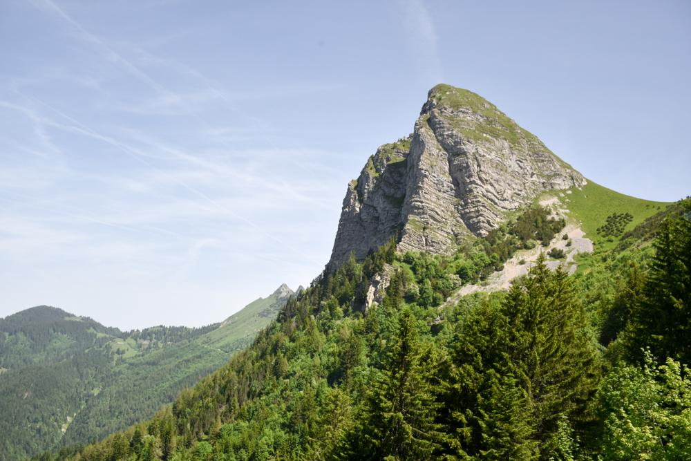 Familienausflug Rochers-de-Naye Montreux Schweiz Aufstiegt mit Blick auf die Berge