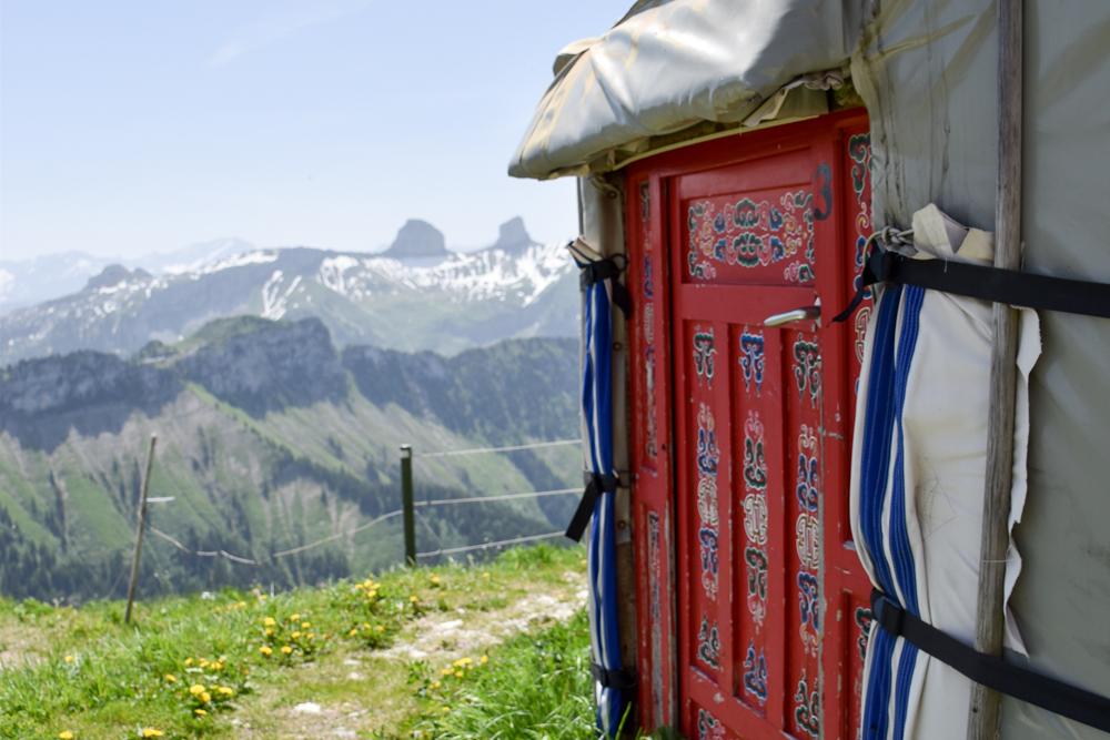 Familienausflug Rochers-de-Naye Montreux Schweiz Jurte