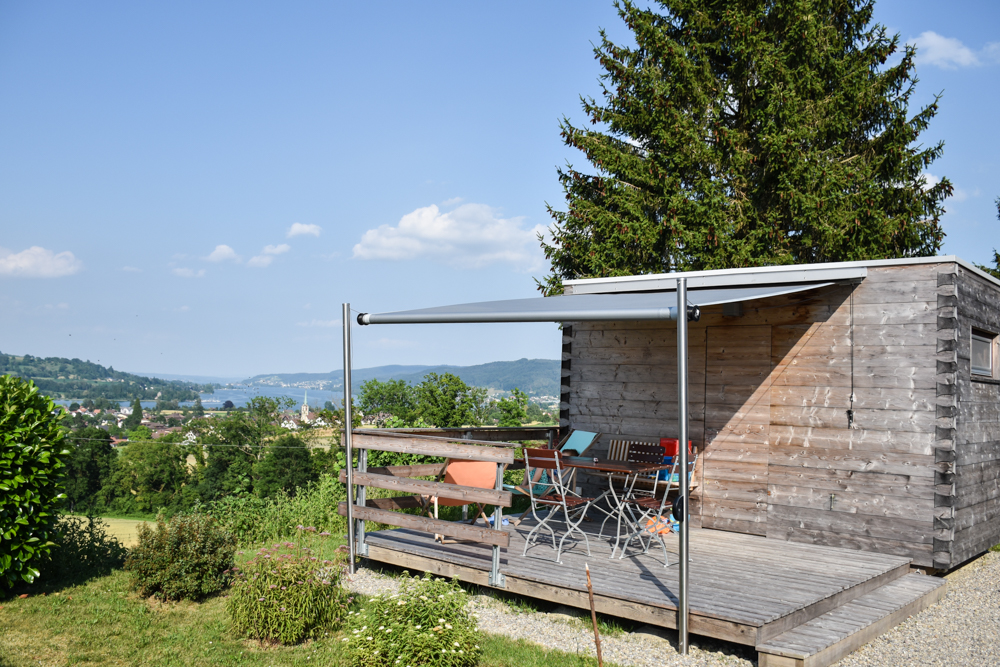 Glamping Eschenz Thurgau Schweiz ZINIPI Lodge Aussicht auf den Untersee