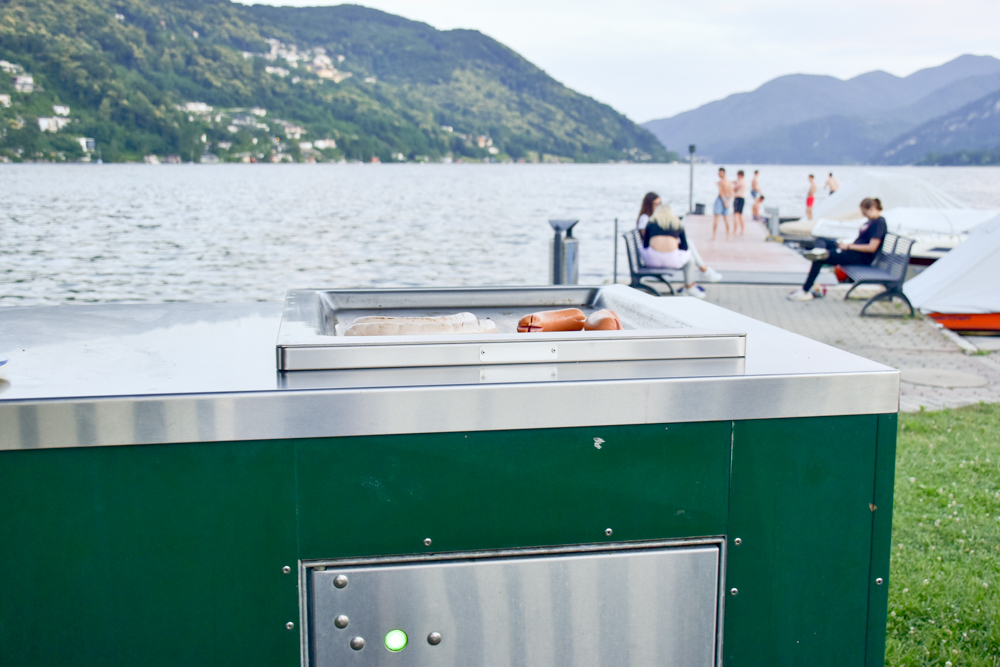 Glamping Lugano Schweiz Safarizelt Deluxe TCS Campingplatz Grillen am Luganersee