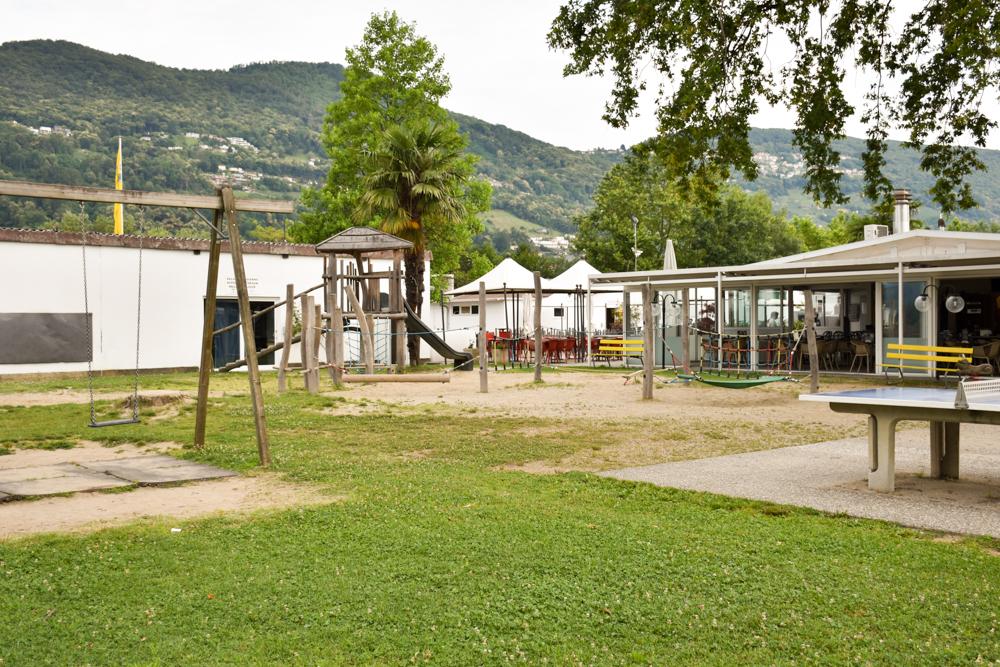 Glamping Lugano Schweiz Safarizelt Deluxe TCS Campingplatz Spielplatz