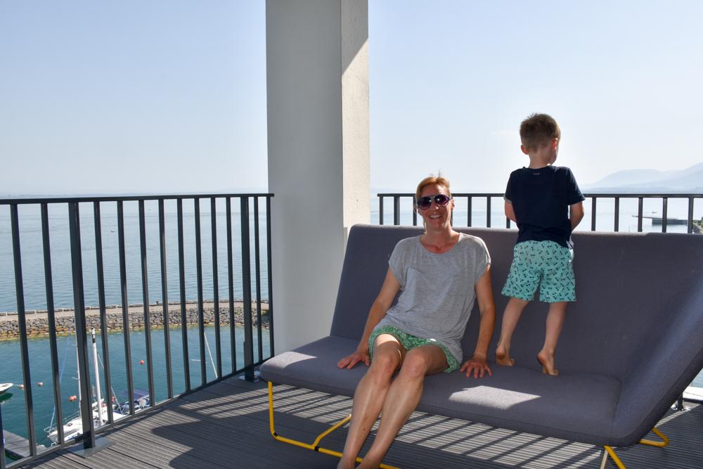 Hoteltipp Neuchatel Schweiz Best Western Premier Hotel Beaulac Aussicht geniessen auf dem Balkon