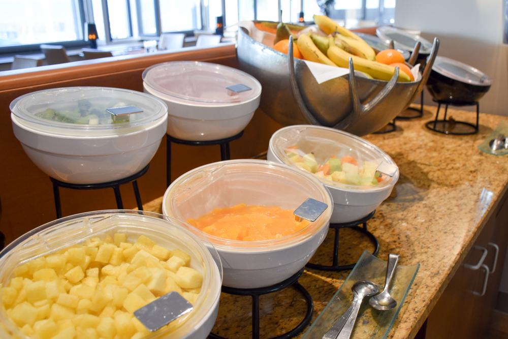 Hoteltipp Neuchatel Schweiz Best Western Premier Hotel Beaulac Früchteauswahl beim Frühstück