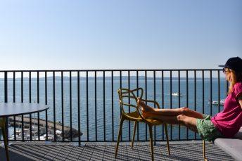 Hoteltipp Neuchatel Schweiz Best Western Premier Hotel Beaulac Travel Sisi geniesst die Aussicht