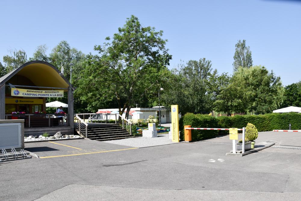 Biwak Glamping TCS Campingplatz Genf Eingang