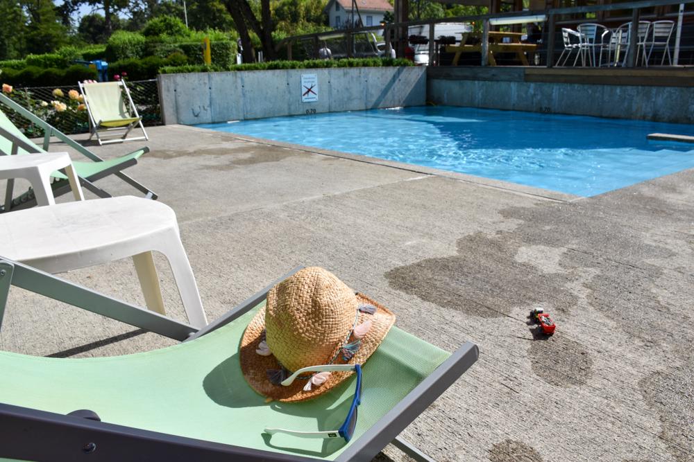 Biwak Glamping TCS Campingplatz Genf Schwimmbad