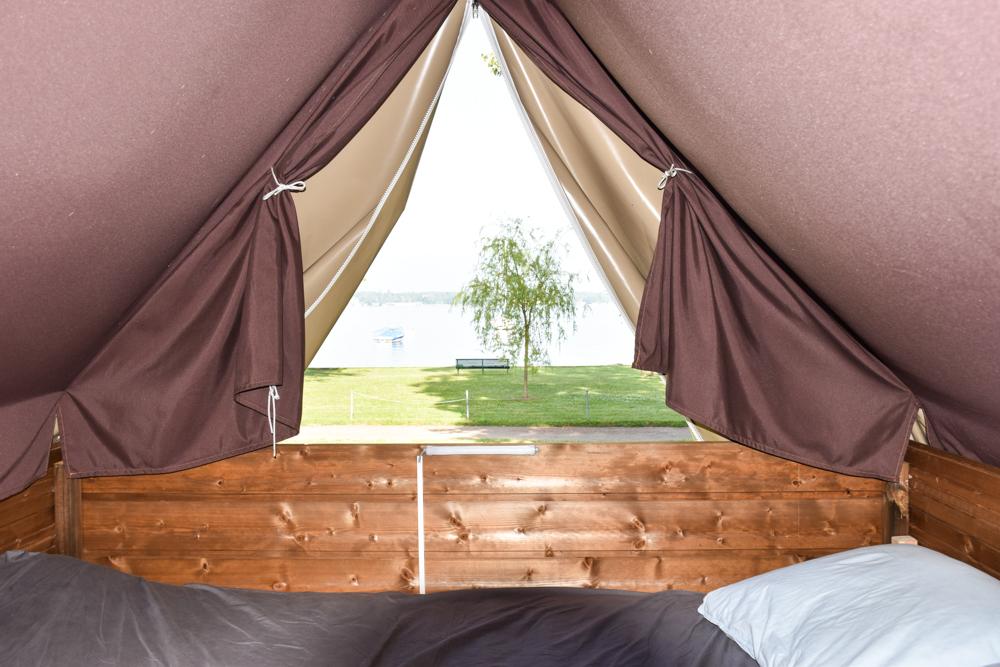 Biwak Glamping TCS Campingplatz Genf Ausblick auf den Genfersee