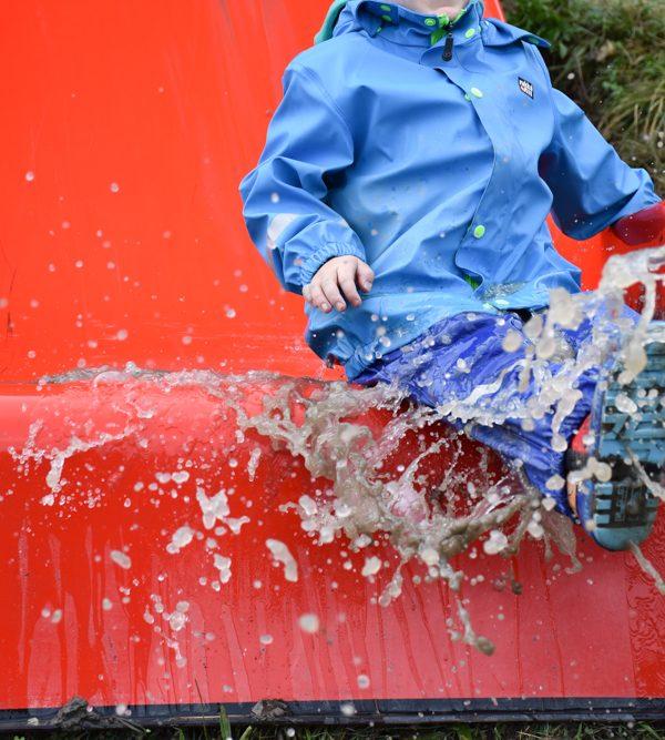 Schlammspielplatz Brambrüesch: Wo Regen Spass macht