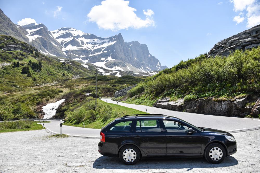 Travel Sisi Grand Tour of Switzerland mit Kind mit dem Auto über den San Bernardino Pass