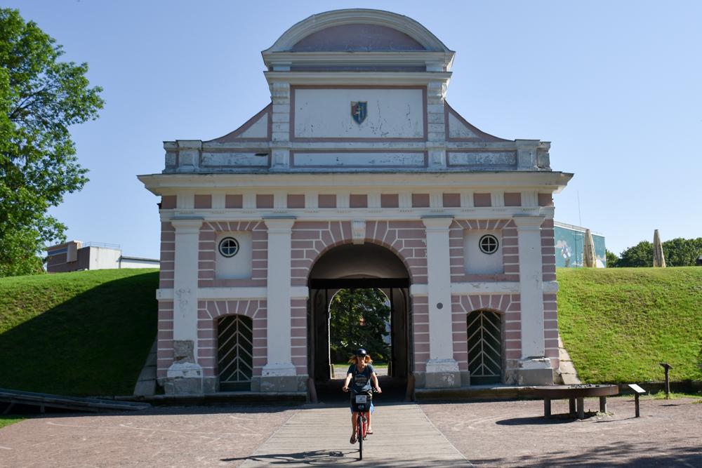 Estland Road Trip Reisetipps Route Highlights Fahrradfahren in Pärnu