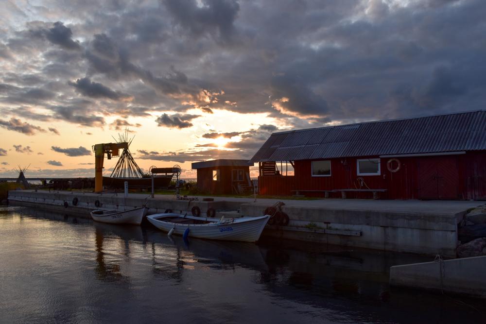 Estland Road Trip Reisetipps Route Highlights Hafen von Koguva auf Muhu