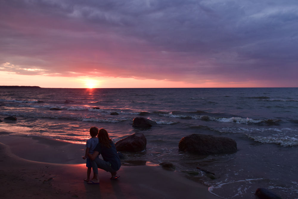 Estland Road Trip Reisetipps Route Highlights Sonnenuntergang Nordküste
