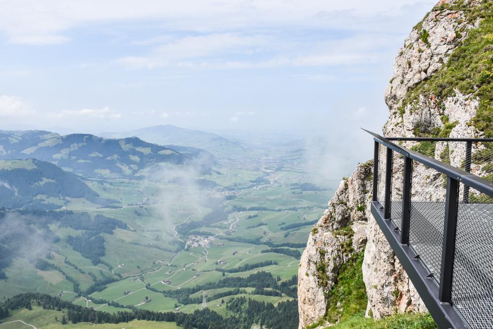 Familienausflug Hoher Kasten Appenzell Schweiz Aussicht auf dem Europa-Rundweg