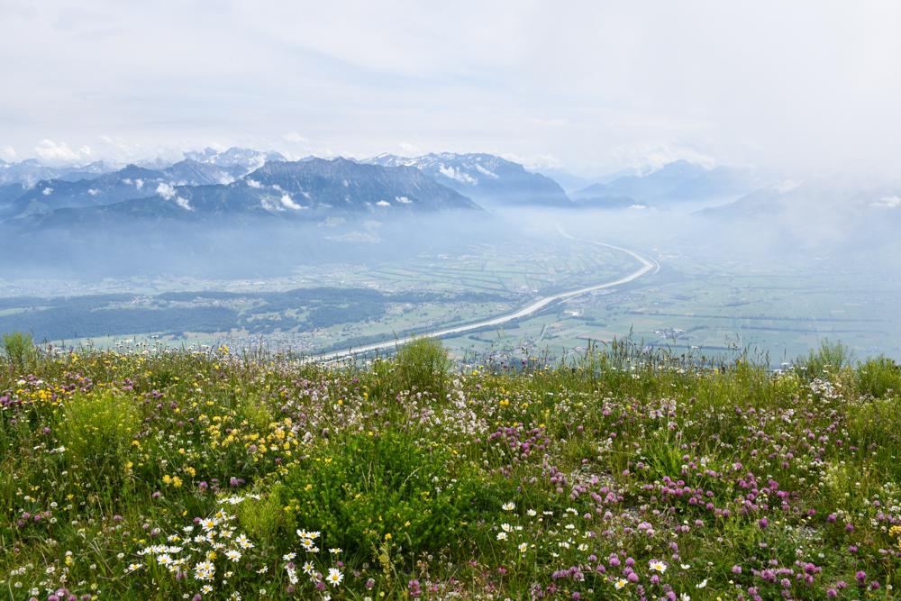 Familienausflug Hoher Kasten Appenzell Schweiz Aussicht vom Hohen Kasten über Liechtenstein