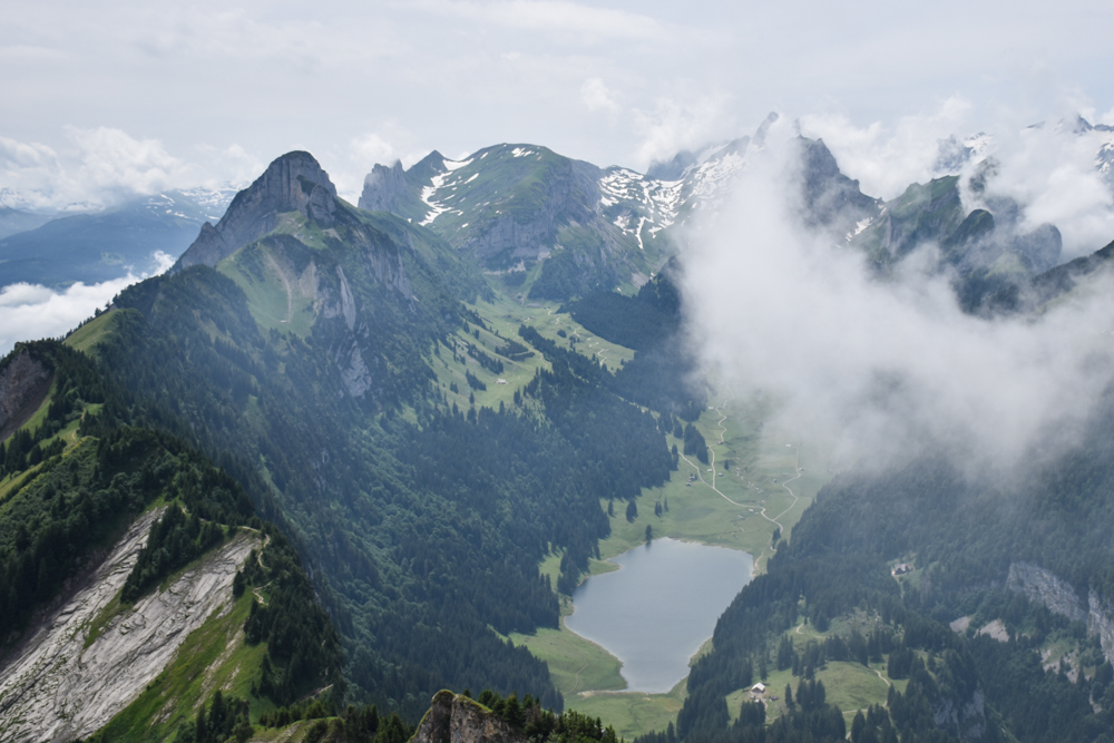 Familienausflug Hoher Kasten Appenzell Schweiz Blick auf den Alpstein
