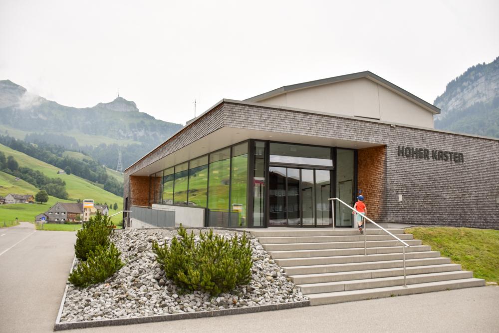 Familienausflug Hoher Kasten Appenzell Schweiz Talstation Bergbahn Brülisau